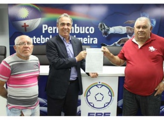 Centro Limoeirense apresenta diretoria reeleita