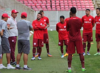 Náutico inicia semana de treinos na Arena de Pernambuco