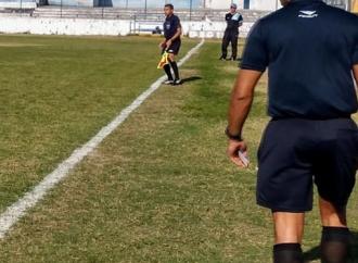FPF presta homenagem aos árbitros brasileiros