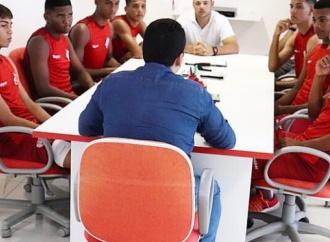 Náutico integra sete atletas da base ao elenco profissional