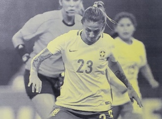 Livro de Regras do Futebol 2018/2019 traz árbitra pernambucana