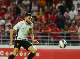 Sport encara o Coritiba em jogo de seis pontos