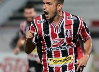 Pipico decide, Santa derrota Paysandu e retoma liderança do grupo