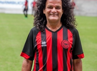 Personagem-símbolo do ͍bis, Mauro Shampoo completa 64 anos