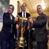 FPF apresenta o troféu da final ao Governador Paulo Câmara