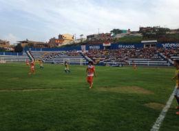 No Carneirão, Vitória e Serra Talhada empatam em 1 x 1